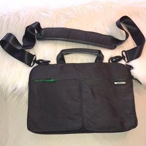 💻 Incase Laptop Bag Case 💻